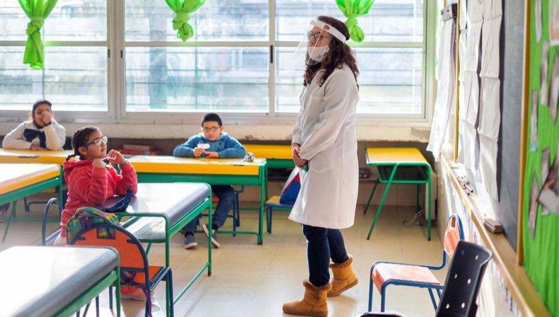 """El ministro de Educación, Jaime Perczyk, aseguró este viernes que """"más días y más horas de clase es una de las claves"""" para recuperar la normalidad en el sistema educativo."""