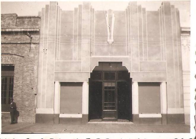 Frente de confitería La Gloria en la década del 30.